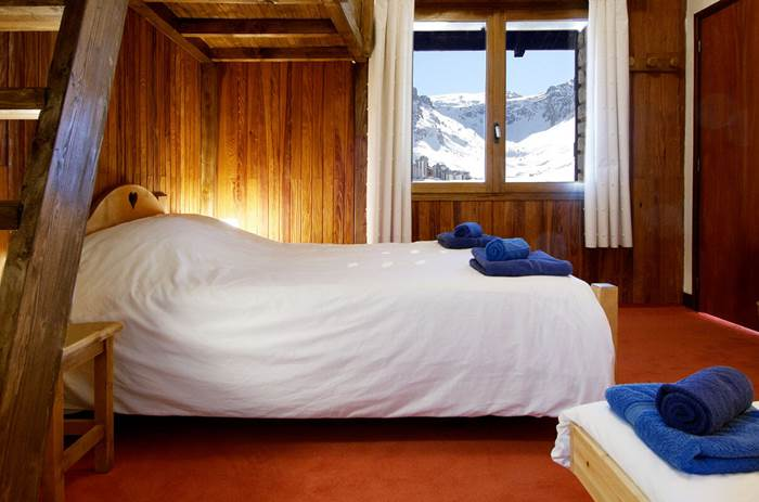 Accommodation at the Esprit Ski Chalet Caribou