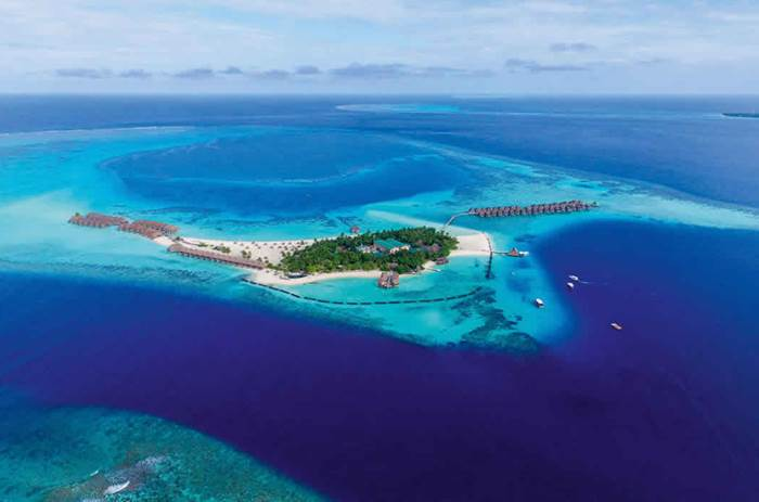 An aerial view of the constance moofushi maldives resort
