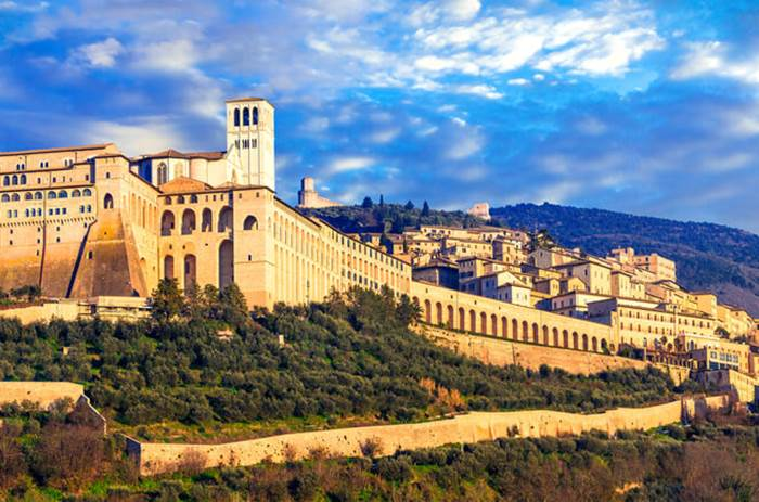 Tauck Classic Italy - Impressive medieval Assisi town - religious center of Umbria