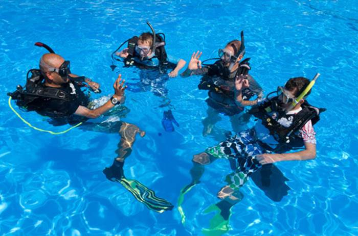 Mark Warner Lemnos scuba diving lessons