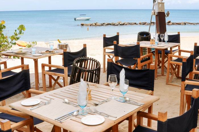 Dining on the beach at Kuoni Rendezvous